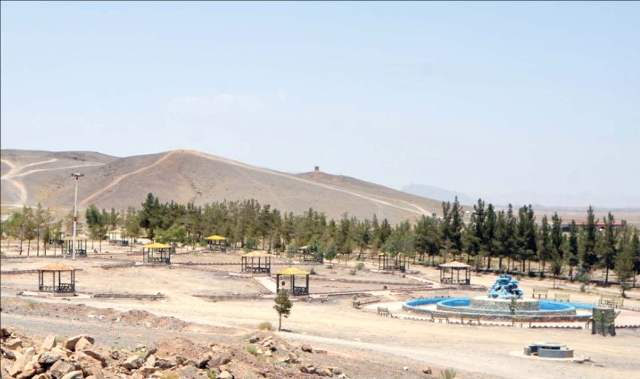 فاز اول دهکده گردشگری کنگان تا پایان امسال به اتمام می رسد