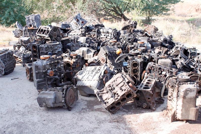 کارگاه غیر مجاز تعویض موتور خودروهای خارجی در کنگان کشف شد